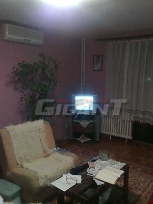 Novi Beograd Blok 72 83m2 85000e
