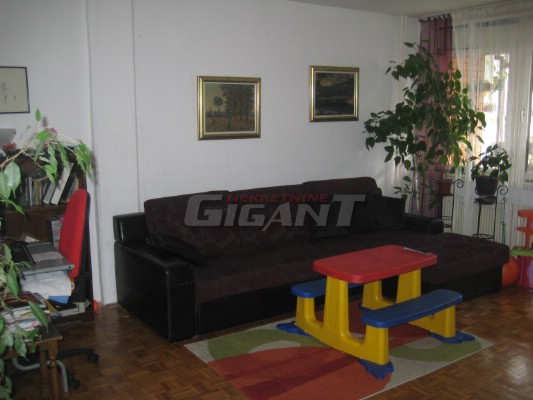 Novi Beograd Blok 72 94m2 98000e
