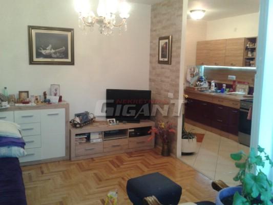 Novi Beograd Blok 61 74m2 96500e