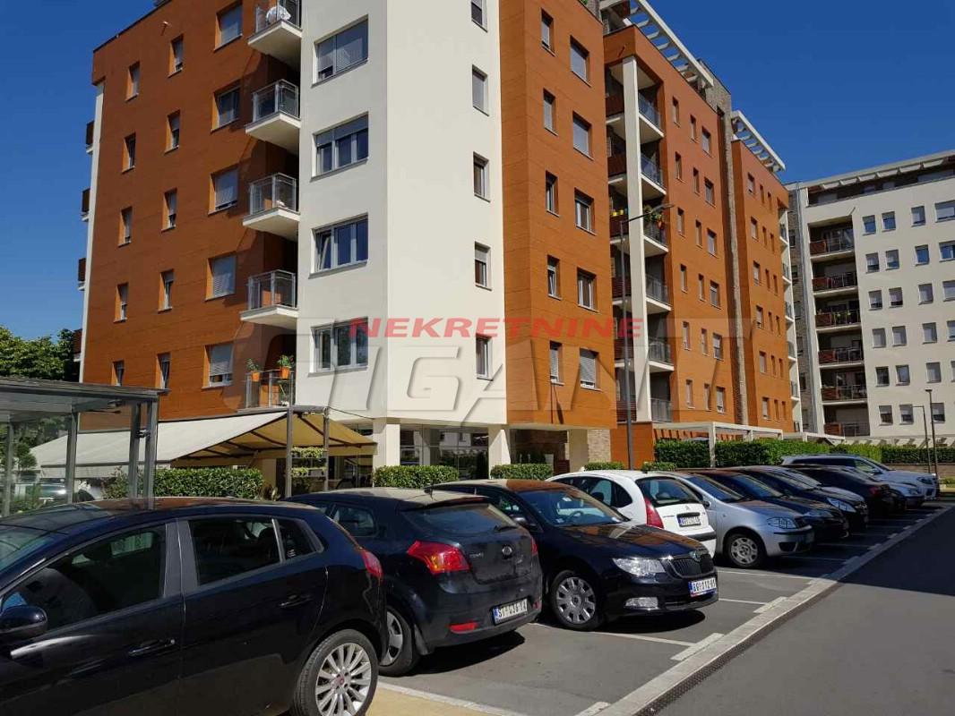 Novi Beograd A Blok 59m2 150000e