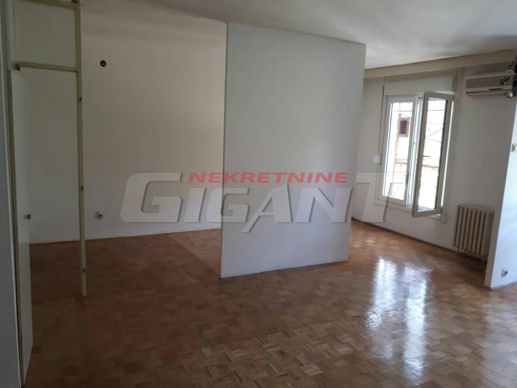 Novi Beograd Blok 44 51m2 69000e
