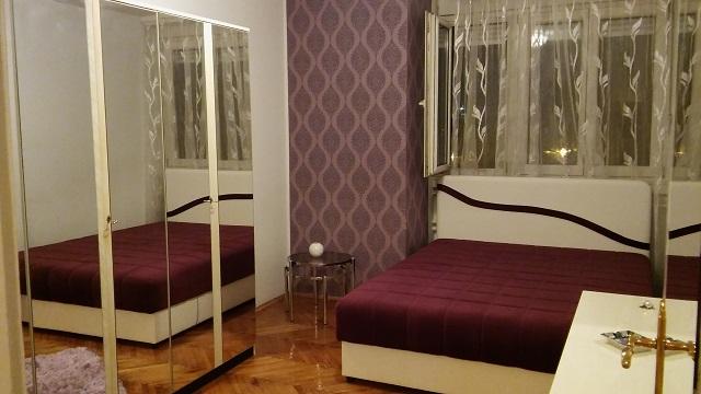 Novi Beograd Novi Bgd Blok 21 70m2 550e
