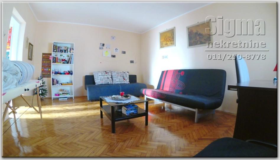 Stan , Cukarica , Beograd (grad) , Prodaja | Stan Garaža 21M Ostava Tavan Cukarica Banovo Brdo 116M2 110000E