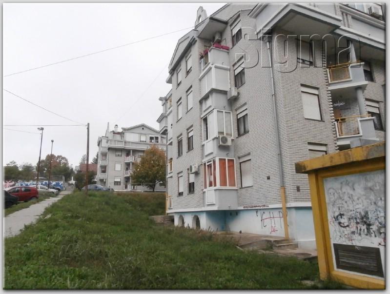 Stan Rakovica Petlovo Brdo 56m2 51000e